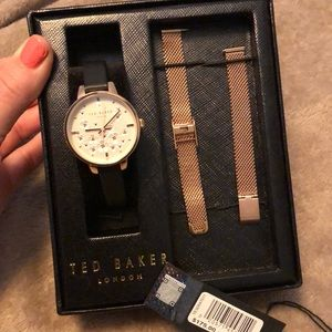 Ted Baker women's fashion watch-kit.